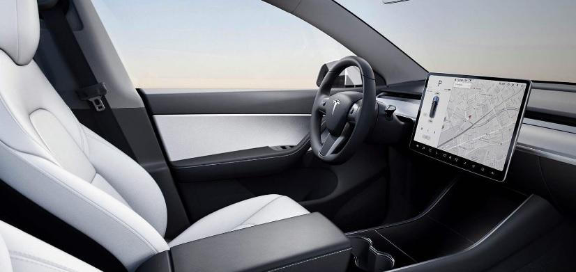Interni Tesla Model Y