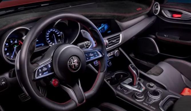 Alfa Romeo GTA interni