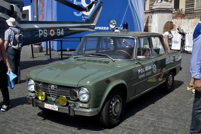 Alfa_Romeo_Giulia_Super_-_Polizia_di_Stato